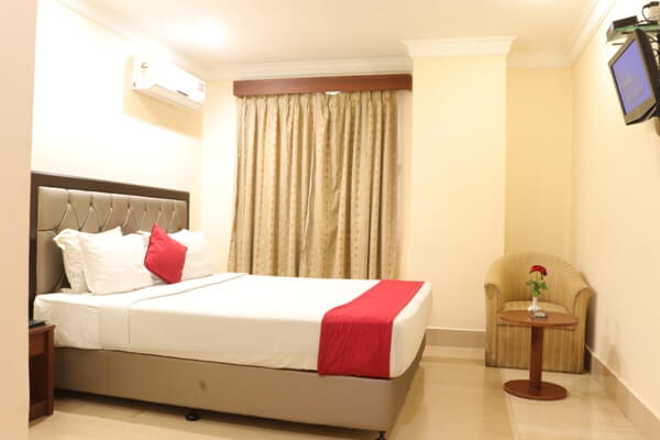 Standard Twin Bedded Room